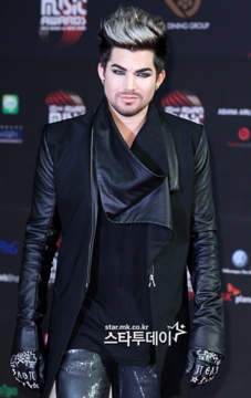 Official pic from MNET Awards Red Carpet