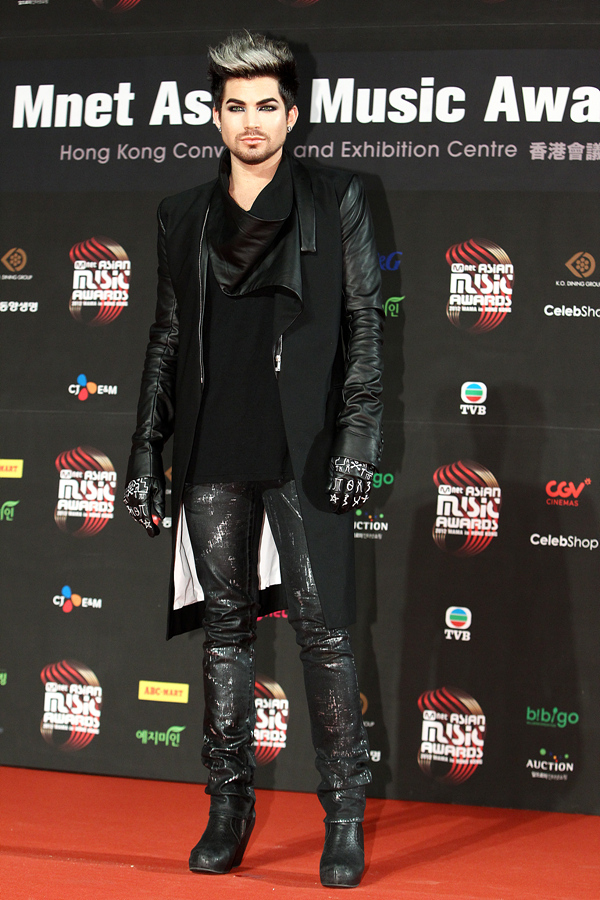 red-carpet-photos-and-performances-from-the-mama_mmonr_2