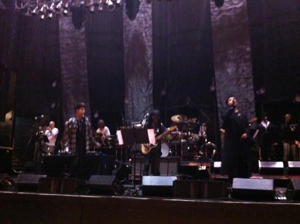 @WeAreFamilyFdtnOh soundcheckw/ @adamlambert @sam_sparro and @nilerodgers sounds amazing!! http://twitpic.com/bzu2js  #wearefamily