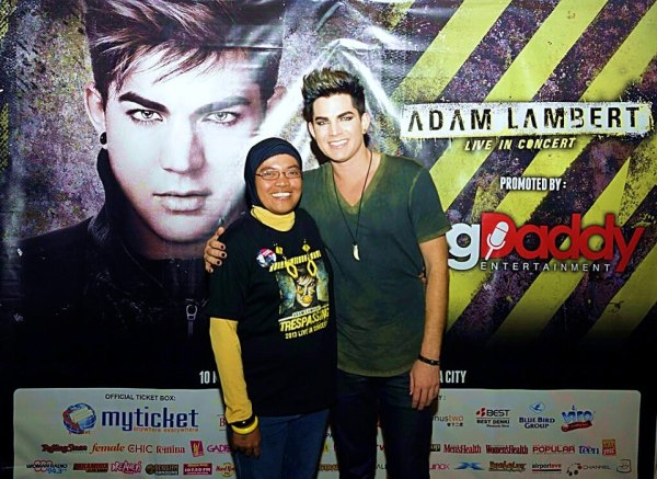 @AdamLambert_INA: Waiting 4yrs to have this 1 pic: M&G Jakarta WAG Mar10th. Thank you so much @adamlambert & @bigdaddyid for this! http://pic.twitter.com/zdsCDJFcqK