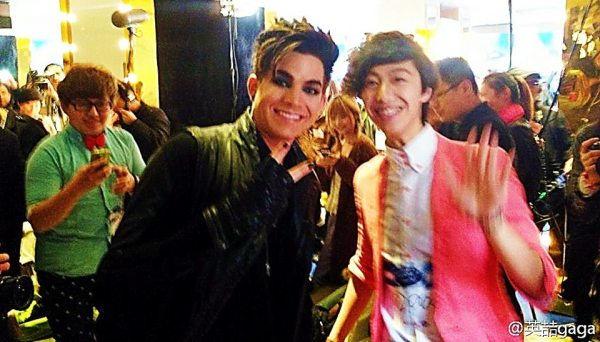 @glam:_alidol on Weibo: @adamlambert with China Idol contestant! http://ww1.sinaimg.cn/large/67cde671jw1e3zl9awuqcj20sg0lcq66.jpg