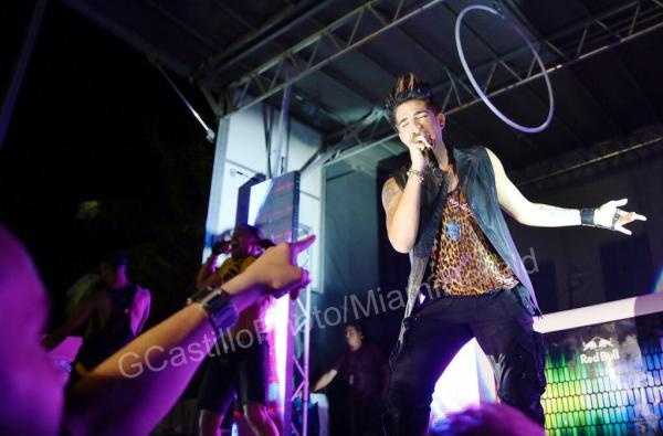 ‏@MiamiHerald 7m Ex-Idol runner-up @AdamLambert performs Sunday night at the #GayPrideFestival on #MiamiBeach. PHOTO:GCastillophoto pic.twitter.com/tuv6O11Chs