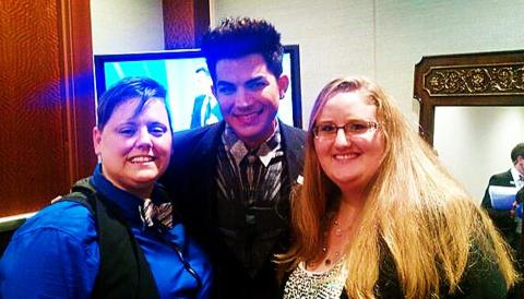 @Jen_Tyrrell: Yeah that's Adam Lambert!