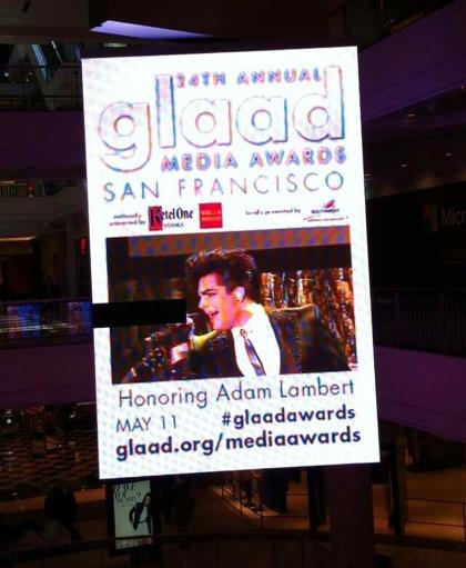 Photo via @glamshimmer: Video billboard at San Francisco Centre Westfield Mall @adamlambert http://pic.twitter.com/SCGRLoqOK1