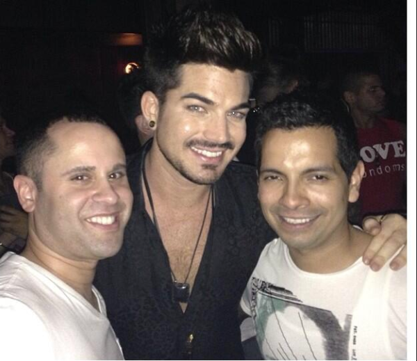 ‏@jcastro_nyc 23h @adamlambert just noticed so many people requested the pic so here goes! pic.twitter.com/S3lAG3CHgu