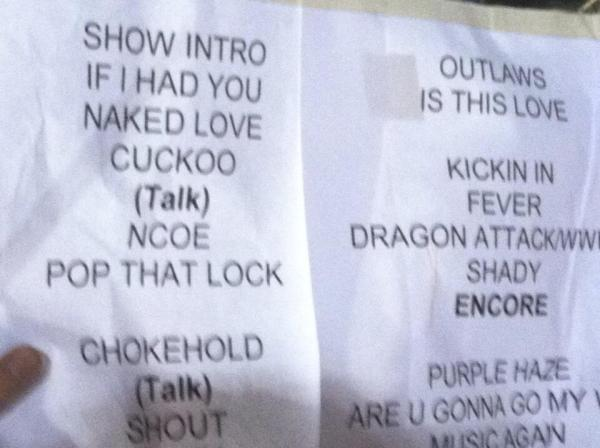 @konaflower 1m set list for tonight pic.twitter.com/OQzARdz9Yy