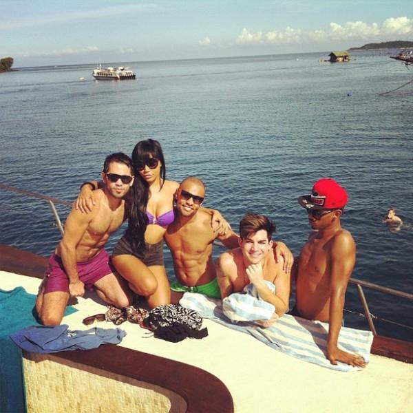 "queenofbali: ""I miss u guys"" http://instagram.com/p/cGjtlUgEKM/#"