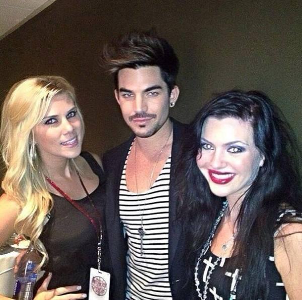 """laregina22 """"Adam Lambert #adamlambert #vegas #motleycrue #concert http://instagram.com/p/ebp0RMwokr/"""" """"he's gorgeous, I also met the remaining members of Queen, they were with him tonight"""""""