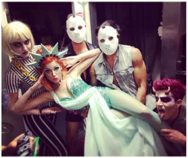 katmburns: Post #adamlambert #halloween party. I choreographed for the insanely talented @bonniemckee with sick (in a good way) dancers @marlonpelayo @cocajesus #latergramcausemyphonedied #beetleginandjuice #ladyliberty #bonniemckee