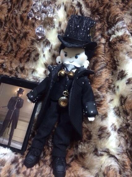 @kardamdoll: @adamlambert  I made this Starchild doll! #Glee pic.twitter.com/8zW2X5BQPm