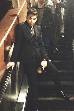 Who else looks that hot on an escalator?