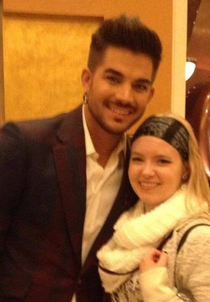 @kiekieblonde: So...couldn't get into the Caesar's Palace buffet, but then @adamlambert passed by and made my night. #vegas pic.twitter.com/1A9WtlhU87