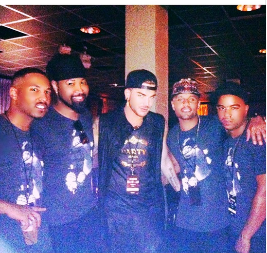 adamlambert: On The Run Backstage w @tyhunter @terrancespencer @jovancarrington and @jskystyle and his tShirts #TbyGRAYSKYDESIGN http://www.etsy.com/shop/TbyGRAYSKYDESIGN