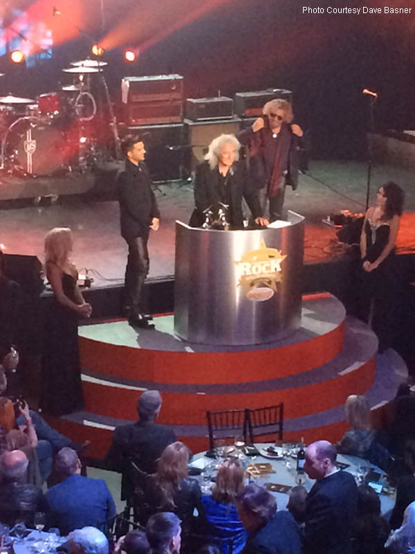 Brian_Accepts_Award_with_Adam_Lambert_Sammy_Hagar_D_Basner_IMG_0300_800x600