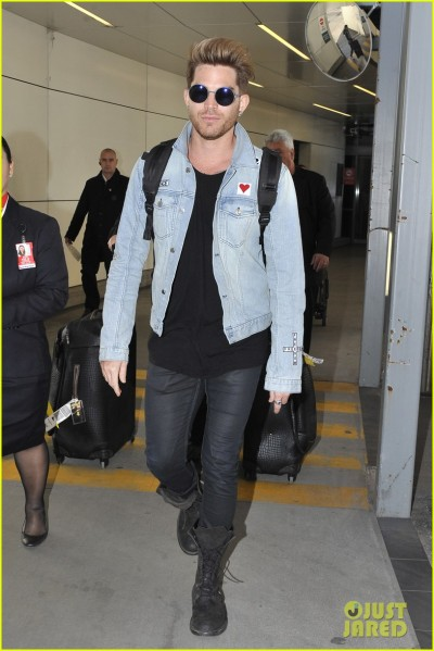Adam Lambert arrives in Sydney Pictured: ADAM LAMBERT Ref: SPL1088506  270715   Picture by: MAD PEPITO / Splash News Splash News and Pictures Los Angeles:310-821-2666 New York:	212-619-2666 London:	870-934-2666 photodesk@splashnews.com