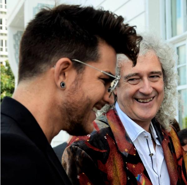 radiopirathaAdam & Brian #queen #rockinrio #rock #riodejaneiro #copacabana