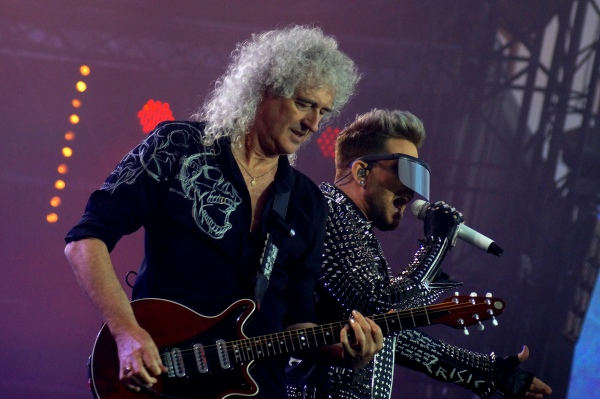 queen-adam-lambert-isle-of-wight-festival-lucy